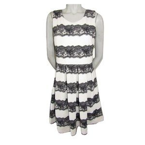 Jolie White Textured Dress with Lace Print Size 8